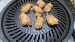 焼肉プレート(CBーPーY2)でホルモンを焼く